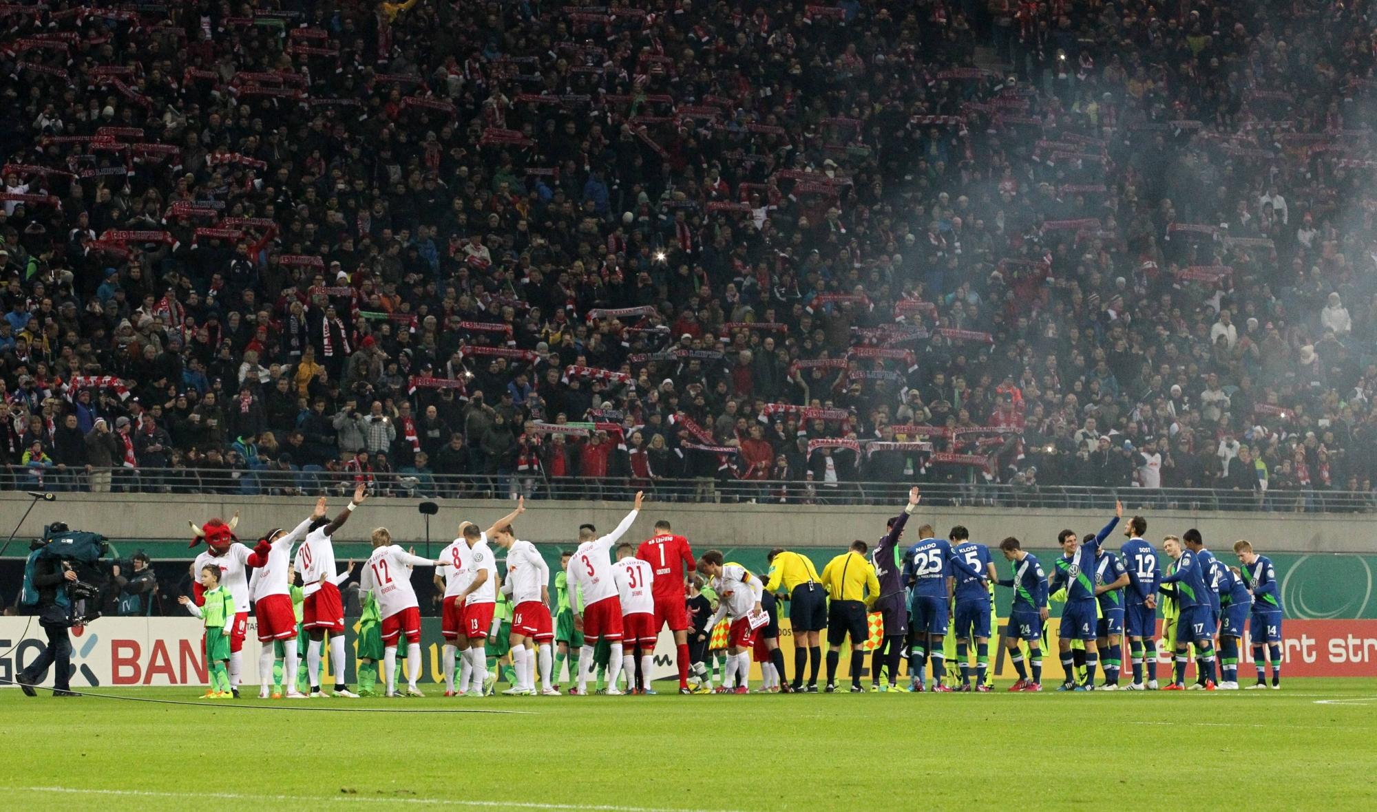: Erstmals ausverkauftes Haus im Pokal: Gegen den VfL Wolfsburg ist die Red-Bull-Arena voll